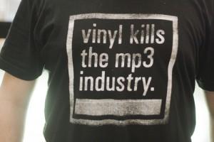 T shirt Vinyl kills